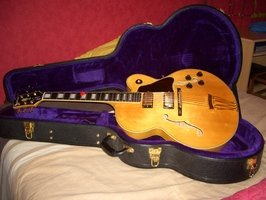 Guitare jazz EPIPHONE archtop